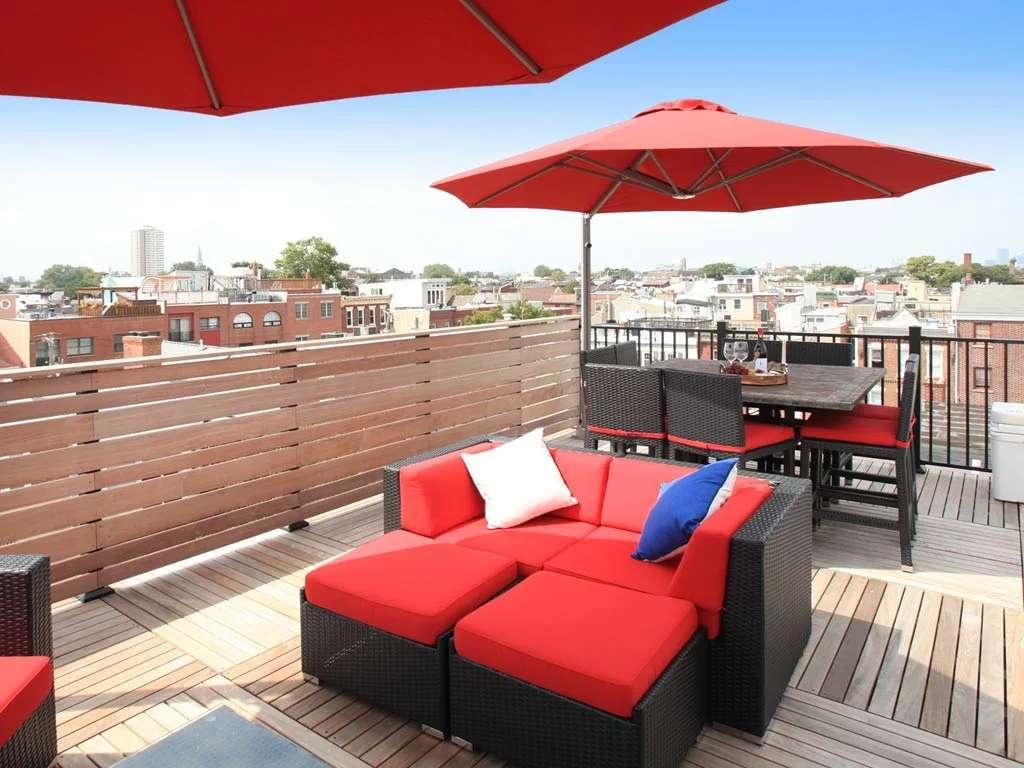 Rotating-cantilever-rooftop-umbrella