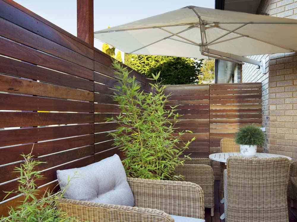 wall mounted cantilever umbrella